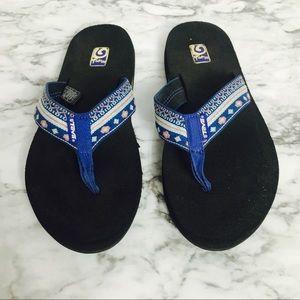 Teva Mush Blue Aztec Sandals!